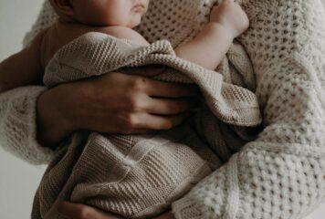 Hitzgi bei Babys: Fünf Tipps, damit dein Baby weniger Schluckauf hat
